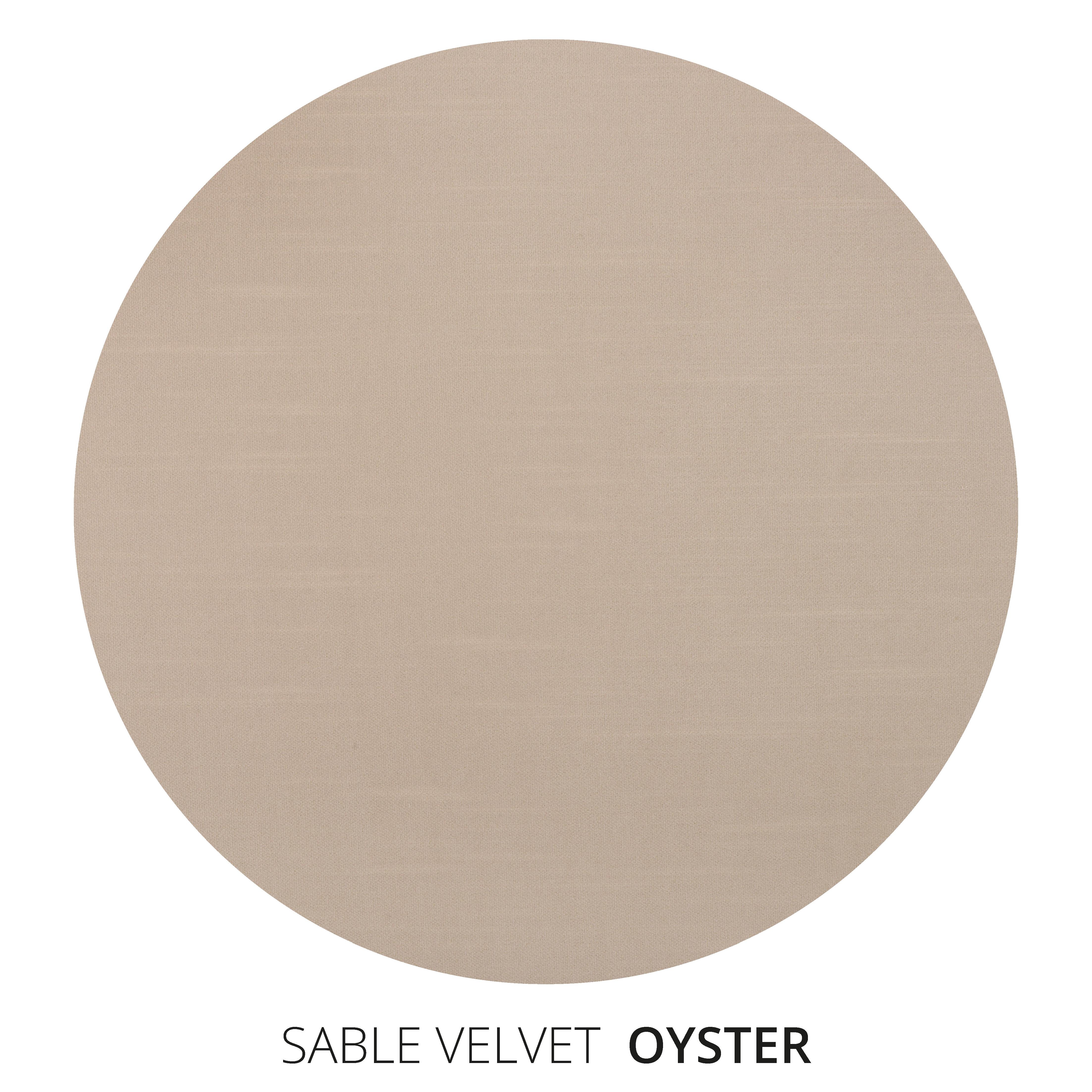 Oyster Sable Velvet Swatch